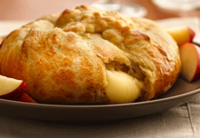 Caramelized Brie Bread with Sweet Onions